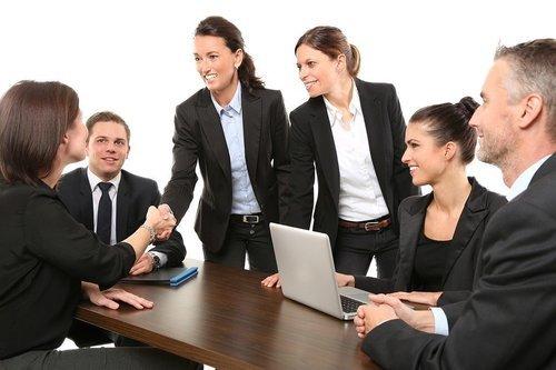 Dags att anställa eller ta in folk?